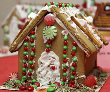 TEEN GINGERBREAD COMPETITION