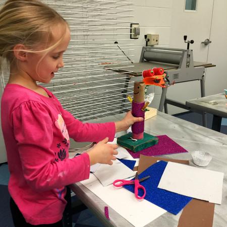 Kids Studio Class: Geometric Droid Build