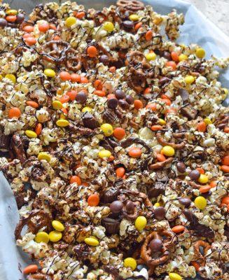 reeses-popcorn-with-pretzels-recipe