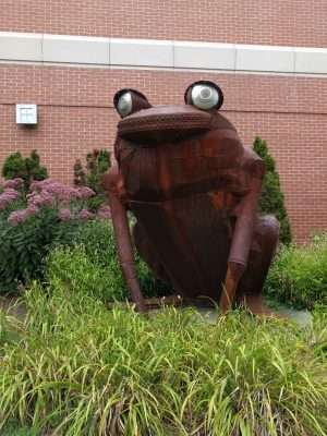 Highland Square Frog Sculpture