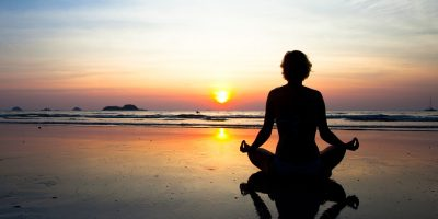 Living Mindfully: An Introduction to Meditation an...