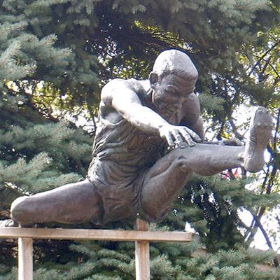 Jeep Davis Statue