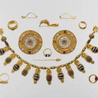 Jewelry as Women's Wealth in Ancient Greece and Etruria