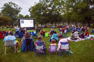 Close Encounters of the Third Kind - Outdoor Movie...