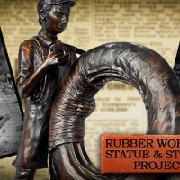 Rubber statue and stories presentation